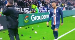Neymar tiếp tục là đối tượng bị các CĐv bóng đá Pháp tấn công