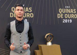 C.Ronaldo trong ngày nhận giải tại quê nhà Bồ Đào Nha